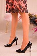 Soho Exclusive Siyah Rugan Kadın Klasik Topuklu Ayakkabı 15731