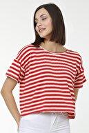 MD trend Kadın Kırmızı Sırt Detaylı Çizgili Pamuklu Crop Salaş T-shirt