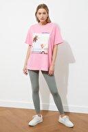TRENDYOLMİLLA Pembe Baskı ve Nakışlı Boyfriend Örme T-Shirt TWOSS20TS0574