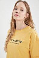 Defacto Slogan Baskılı Pamuklu Relax Fit Kısa Crop Tişört