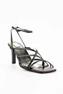 Bambi Siyah Kadın Klasik Topuklu Ayakkabı K05503530309