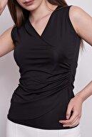 Jument Kadın Siyah Anvelop Kruvaze Önü Büzgülü Kolsuz Bluz