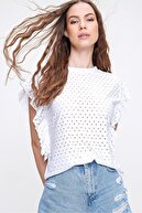 Trend Alaçatı Stili Kadın Beyaz Kolları Fırfırlı Fisto Örme Bluz ALC-X6211