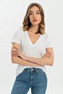 CROSS JEANS Beyaz V Yaka Kadın T-shirt