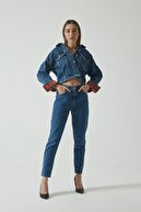 CROSS JEANS Ariana Orta Mavi Yüksek Bel Mom Fit Fermuarlı Jean Pantolon C4525-011