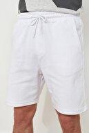 TRENDYOL MAN Beyaz Erkek Regular Fit Şort & Bermuda TMNSS21SR0425