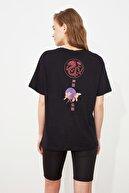 TRENDYOLMİLLA Siyah Baskılı Boyfriend Spor T-Shirt TWOSS21TS2943