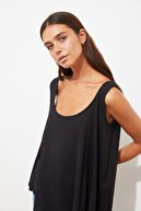 TRENDYOLMİLLA Siyah Kolsuz Bluz TWOSS21BZ1571