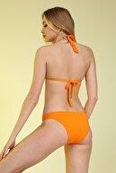 Bellisa Boyundan Bağlı Aksesuarlı Üçgen Bikini Takımı