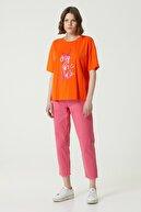 Network Kadın Basic Fit Turuncu Yazı Baskılı T-shirt 1078514