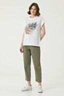 Network Kadın Basic Fit Beyaz Pul İşlemli T-shirt 1079542