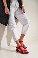 Beyond  Kadın Kırmızı Step Bayan Cırtlı Trekking Sandalet