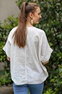 Chiccy Kadın Beyaz Sıfır Yaka Günebakan Çiçek Desenli Salaş Dokuma Bluz M10010200BL95412