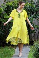 Chiccy Kadın Sarı Çiçek Desenli Yaka Ve Etek Ucu Bloklu Yırtmaçlı Astarlı Yıkamalı Elbise M10160000EL95065