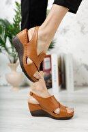 M&B Collection Kadın Kahverengi Hakiki Deri Dolgu Topuklu Deri Sandalet