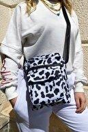 CuCu Bag's Kadın Siyah Beyaz İnek Desenli Üç Gözlü Cross Bag Cc-11-1110