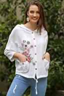 Chiccy Kadın Beyaz Gül Baskılı Kapüşonlu Cep Detaylı Beli İp Büzgülü Dokuma Ceket M10210100CE99031