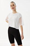TRENDYOLMİLLA Beyaz Nakışlı File Detatlı Loose Crop Örme T-Shirt TWOSS21TS3173