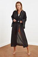 TRENDYOLMİLLA Siyah Şerit Detaylı Kimono&Kaftan TBESS21KM0094