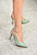 Fox Shoes Kadın Yeşil Rugan Topuklu Ayakkabı K820650208