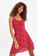 TRENDYOLMİLLA Kırmızı Askılı Elbise TWOSS21EL3214
