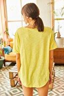 Olalook Kadın Sarı Nakışlı Düğme Detaylı Salaş Bluz BLZ-19001471