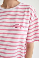 Defacto Kadın Çizgili Oversize Fit Kısa Kollu Tişört