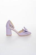 AYMELA Kadın Lila Fiyonklu Ortası Açık Kalın Topuklu Ayakkabı