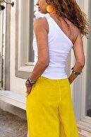 Güneşkızı Kadın Beyaz Tek Omuz Bağlamalı Basic Bluz GK-CM1103
