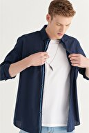 Avva Erkek Lacivert Düz Alttan Britli Yaka Regular Fit Gömlek A11y2141