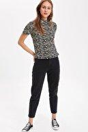 Defacto Kadın Siyah Desenli Kısa Kollu T-Shirt K9186AZ.19SM.BK27