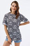 Pattaya Kadın Yırtmaçlı Oversize Kısa Kollu Tişört