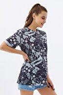 Pattaya Kadın Siyah Yırtmaçlı Oversize Kısa Kollu T-Shirt