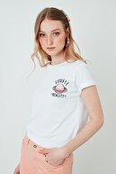 Lela Kadın Beyaz Pamuklu Baskılı Rahat Kesim Bisiklet Yaka T Shirt 6001009