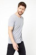 COMEOR Erkek Gri Slim Fit Pamuklu Kısa Kollu V Yaka T-Shirt