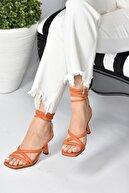 Fox Shoes Kadın Turuncu Bilek Bağlamalı Topuklu Ayakkabı K404070209