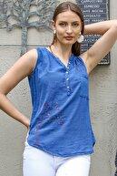 Chiccy Kadın Mavi Patı Düğme Detaylı Ağaç Nakışlı Kolsuz Dokuma Bluz M10010200BL95303