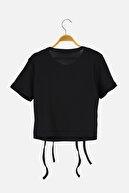 TRENDYOLMİLLA Siyah Nakışlı Fitilli Crop Örme Bluz TWOSS21BZ2086