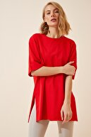 Happiness İst. Kadın Kırmızı Yandan Yırtmaçlı Pamuklu Penye T-shirt DD00863