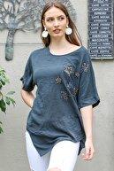 Chiccy Kadın Antrasit Kayık Yaka Yıldız Nakışlı Pullu Oversize Dokuma Bluz M10010200BL95336
