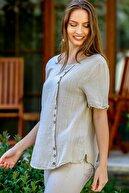 Chiccy Kadın Bej Papatya Pul Nakışlı Düğme Detaylı Salaş Dokuma Bluz M10010200BL95274