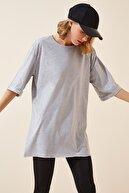 Happiness İst. Kadın Gri Yandan Yırtmaçlı Pamuklu Penye T-shirt DD00863
