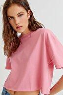 Pull & Bear Kadın Pembe Biyeli Dikişli Crop Fit T-shirt