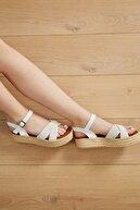 Freemax Kadın Beyaz Suni Deri Yazlık Sandalet