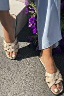 İnan Ayakkabı Kadın Bej Çaprazlama Bant Detaylı Terlik