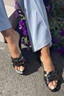 İnan Ayakkabı Kadın Siyah Çaprazlama Bant Detaylı Terlik