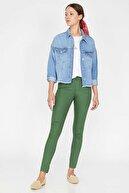 Koton Kadın Yeşil Normal Bel Cep Detaylı Dar Kesim Pantolon 9YAK43550DW