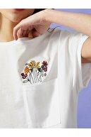 Koton Kadın Ekru Çiçekli İşlemeli T-shirt