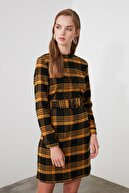 TRENDYOLMİLLA Çok Renkli Kemerli Ekose Elbise TWOAW21EL0998
