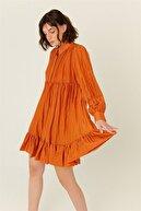 Rue Kadın Tarçın Volanlı Mini Gömlek Elbise